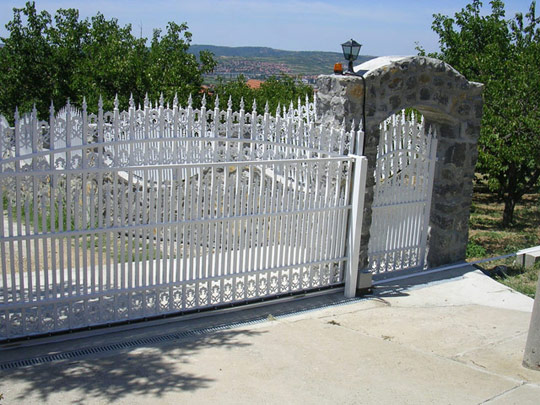 Alu ograde 2