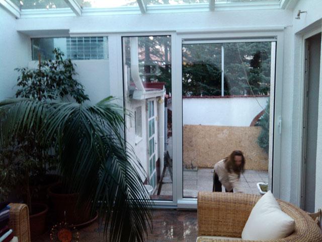 Stakleni krov i alu balkonska vrata sa kombinovanim sistemom otvaranja 3