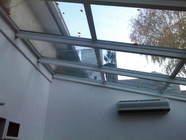 Stakleni krov i alu balkonska vrata sa kombinovanim sistemom otvaranja 6