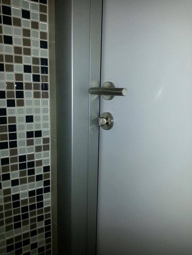 Sobna vrata sa alu štokom